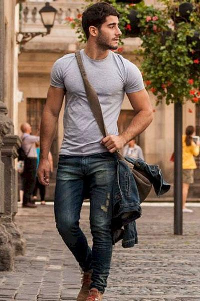 comment porter un t-shirt homme look jean et t-shirt gris uni homme