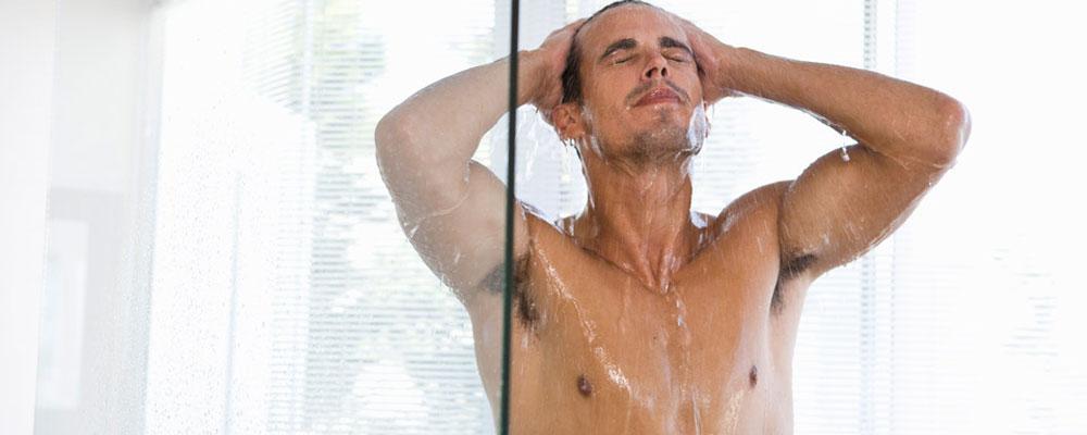 prendre soin de sa peau et bien nettoyer son corps conseils masculin