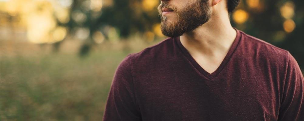 morphologie en H homme t-shirt col en V