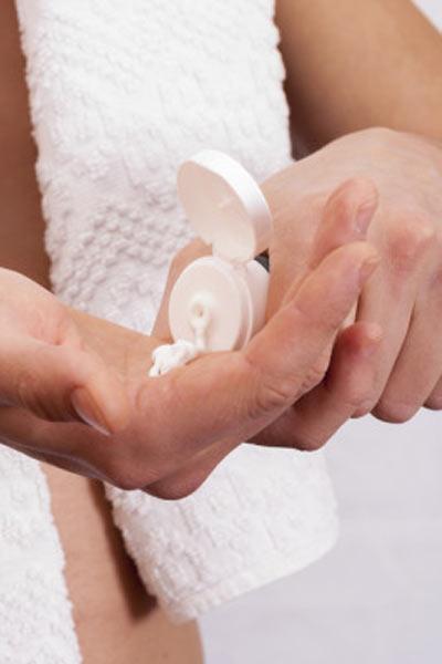 hydratation des mains prendre soin de ses mains homme