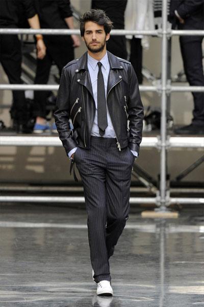 look classique homme avec un perfecto