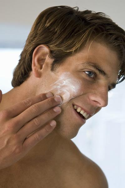 hydrater sa peau après s'être rasé la barbe
