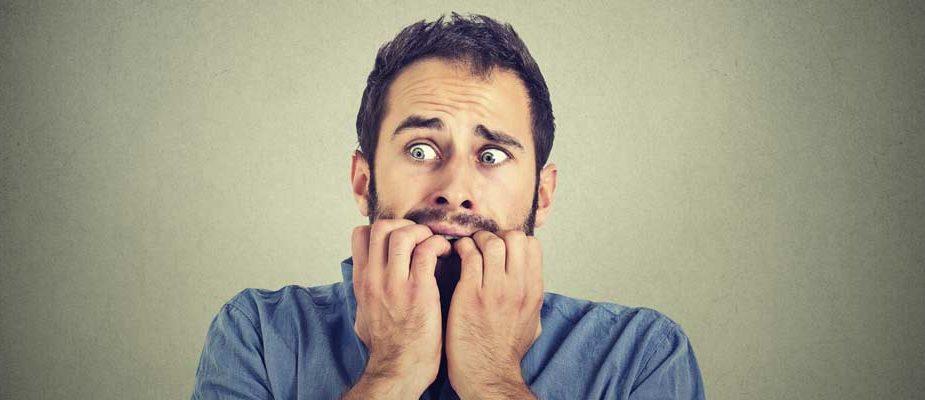 Comment soigner sa phobie, homme ayant peur
