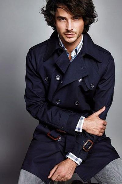 choisir un trench coat bleu marine homme