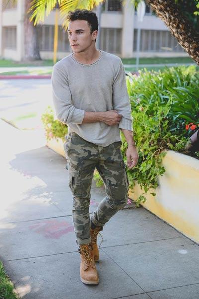 porter des timberland homme avec un pantalon militaire