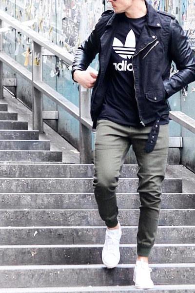 tenue rock jogpant et perfecto en cuir