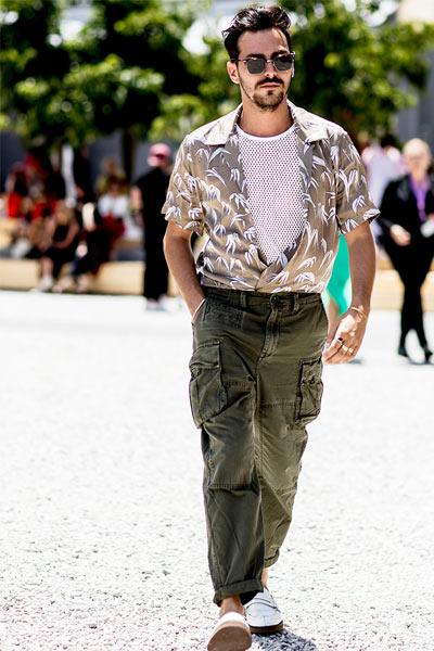 tenue homme chemisette et pantalon cargo