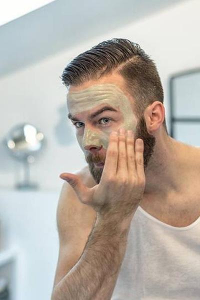 éliminer les points noirs et boutons d'acné