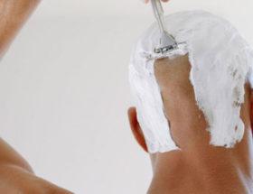 homme crâne rasé
