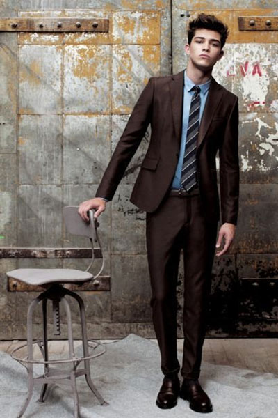 tenue homme costume marron
