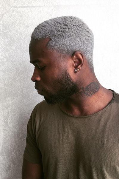 teinture grise homme teint foncé