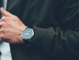 porter une montre quel poignet