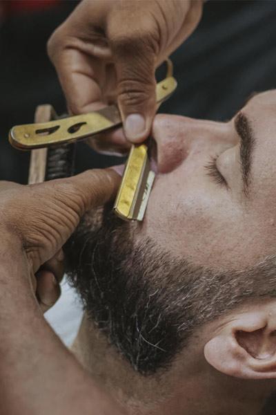 tailler contours barbe de 10 jours