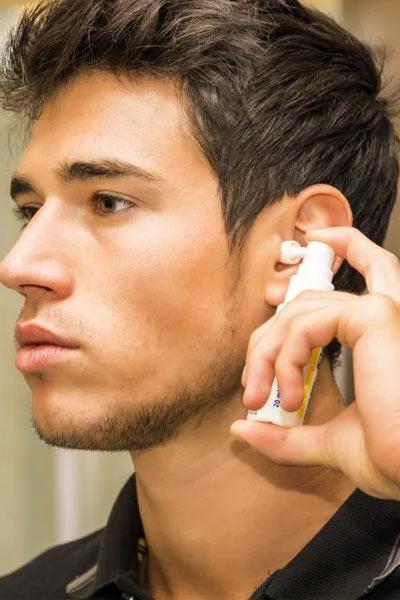 points noirs oreille