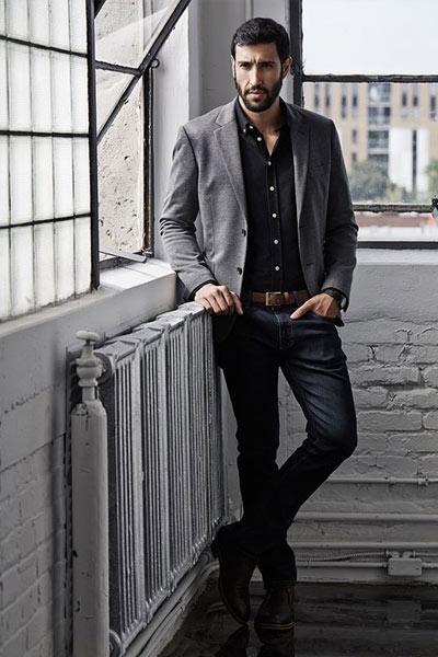 tenue élégante homme jean brut et blazer