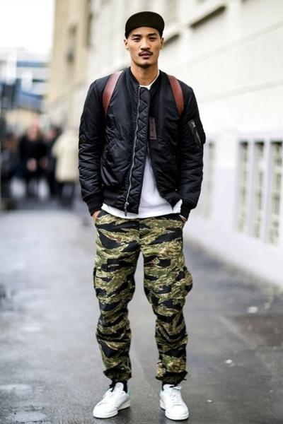 look streetwear pantalon cargo homme