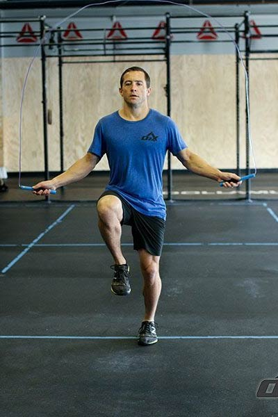 exercices cordes à sauter montée de genoux
