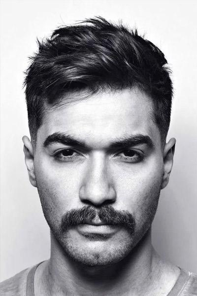 moustache pinceau