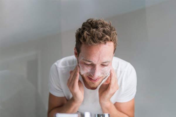 nettoyage visage homme microkyste