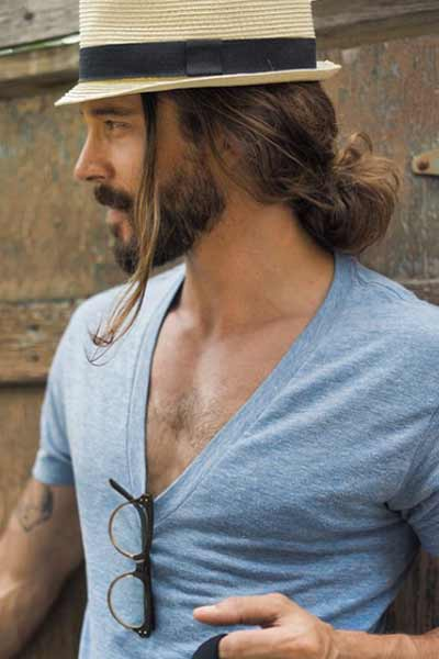 chignon homme sleek man bun