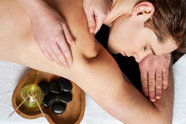massage aux huiles essentielles anti-stress