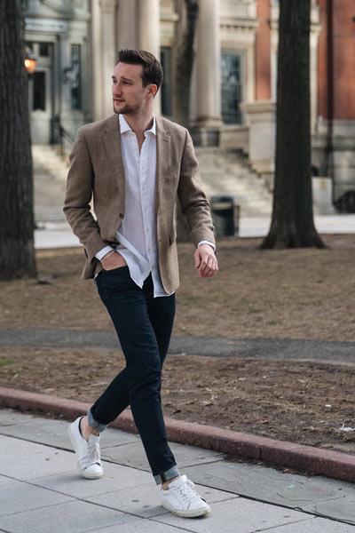 porter chemise en lin avec jean brut tenue casual chic homme