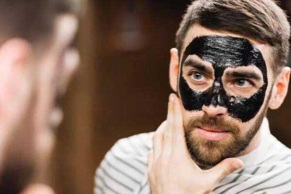 masque purifiant pour éliminer les points noirs incrustés