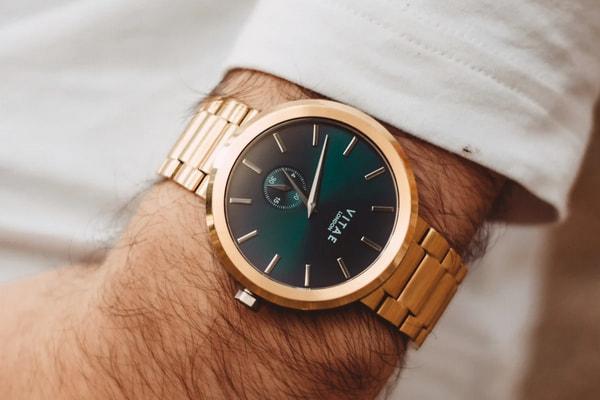 porter montre homme