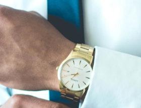 porter une montre homme avec classe