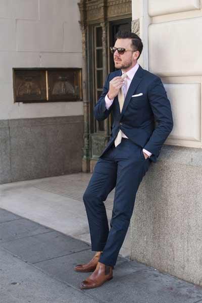 porter des bottines chelsea avec costume