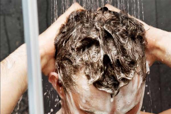 bon shampoing pour faire pousser ses cheveux plus vite